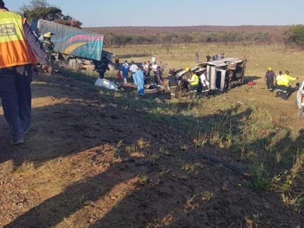 CAR-da mikroavtobusun aşması nəticəsində 20-dən çox insan ölüb - VİDEO