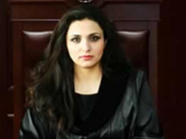 Azərbaycanda qadın hakim istefa verdi