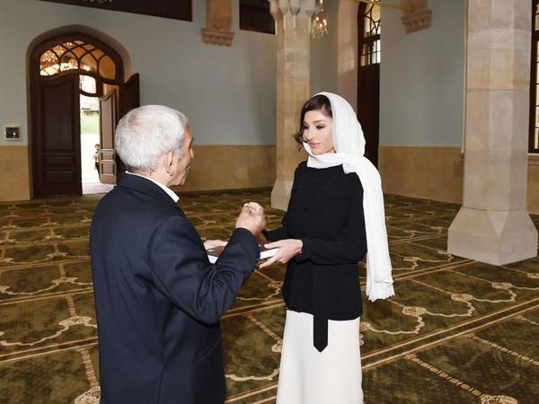 Birinci vitse-prezident Mehriban Əliyeva İmam Hüseyn məscidinin bərpadan sonra açılışında iştirak edib - FOTO