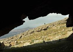 68 yaşlı kişi 23 ildir ailəsi ilə birlikdə mağarada yaşayır