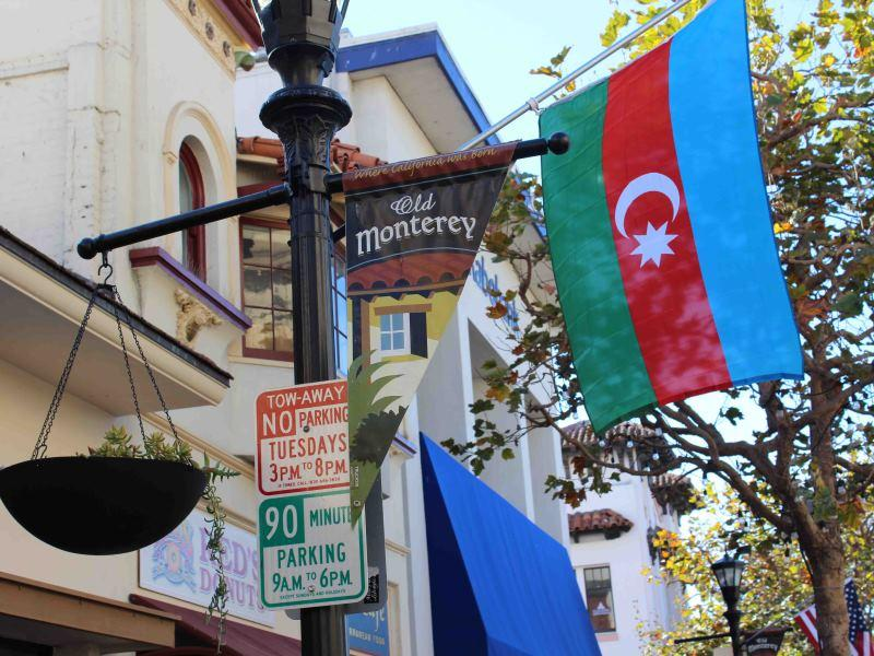 ABŞ-ın Monterey şəhəri Azərbaycan bayraqlarına büründü