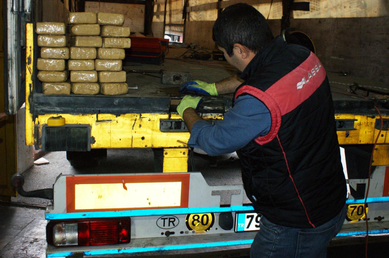 Türkiyədən Azərbaycana 105 kq-dan artıq heroinin keçirilməsinin qarşısı alındı - FOTO
