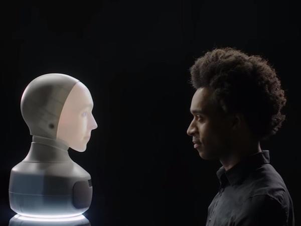İnsan sifətli köməkçi robot hazırlanıb - VİDEO