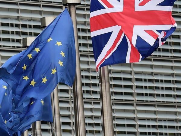 Aİ və Britaniya birgə maliyyə öhdəliklərini saxlamaq qərarına gəlib