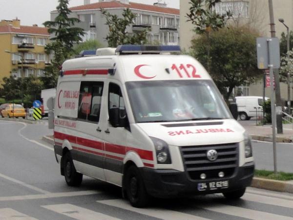 Türkiyədə hərbçiləri aparan avtobus aşdı