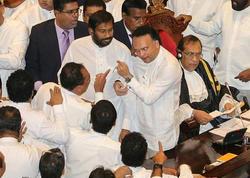 Parlamentdə dava: nə hökumət var, nə də qanun - VİDEO - FOTO