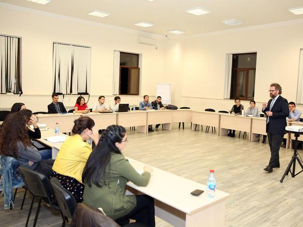 BANM-da MBA təhsili üzrə magistr proqramı uğurla davam edir - FOTO