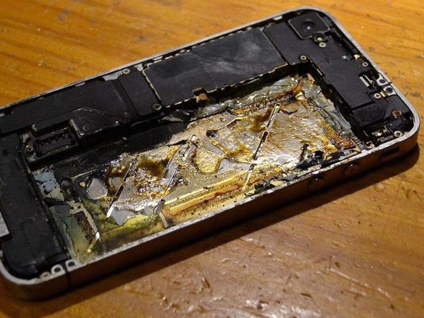 iPhone X iOS 12.1 yenilənməsindən sonra partladı