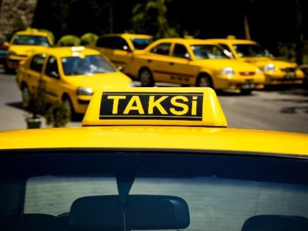 """Bərbad taksi xidmətləri: <span class=""""color_red"""">narkoman, residivist sürücülər...</span>"""