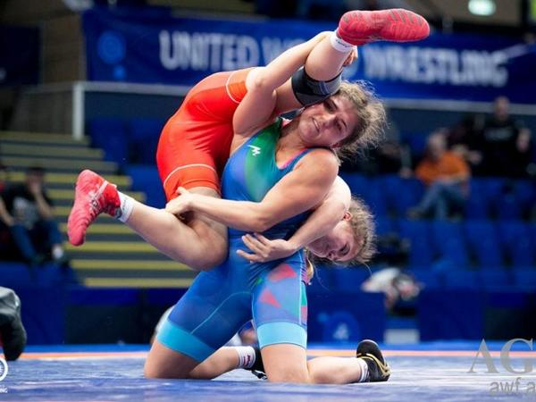Azərbaycanın qadın güləşçisi dünya çempionatında gümüş medal qazanıb - FOTO