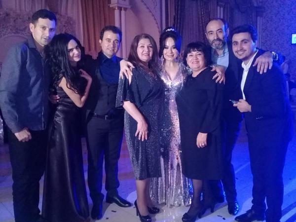 """Azərbaycanlı aktrisanın oğlunun toyunda """"vur-çatlasın"""" - VİDEO - FOTO"""