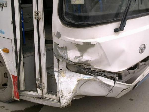 Bakıda zəncirvari qəza törətmiş avtobus sürücüsü xəstəxanda öldü