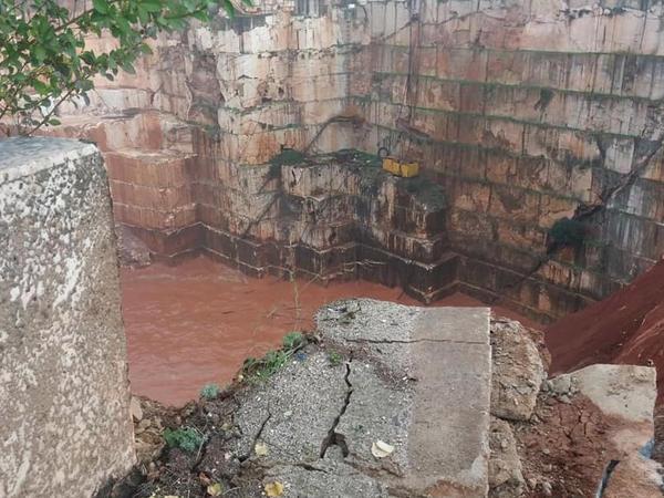 Portuqaliyada yol çöküb: 2 ölü - FOTO