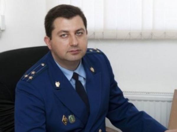"""Azərbaycanlı rüşvət verdi, <span class=""""color_red"""">rusiyalı prokuror işdən qovuldu</span>"""