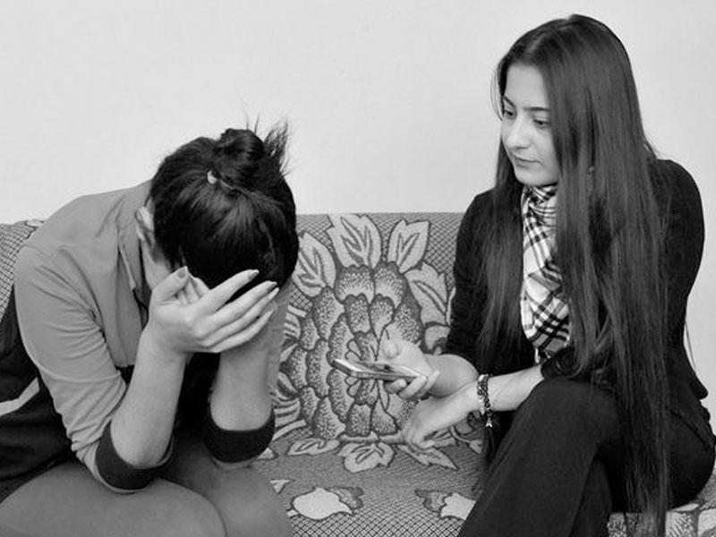 Ailəli kişinin evinə gedən gənc qız: Oyananda gördüm ki, artıq gecdir