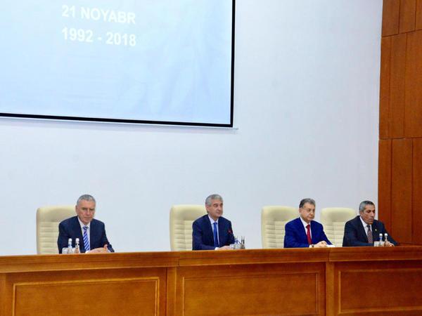 """Yeni Azərbaycan Partiyasının yaradılmasının 26-cı ildönümü ilə bağlı tədbir keçirildi - <span class=""""color_red"""">FOTO</span>"""