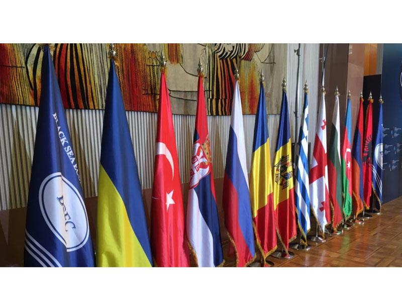 Azərbaycan nümayəndə heyəti Yerevanda keçirilən PABSEC iclasında yubiley medalını almaqdan imtina edib