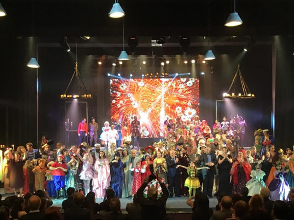 """Azərbaycan Dövlət Gənc Tamaşaçılar Teatrının <span class=""""color_red"""">90 illiyi qeyd edildi</span>"""