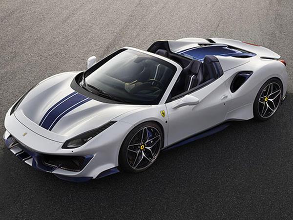 Ferrari Pista kabriolet banında - FOTO