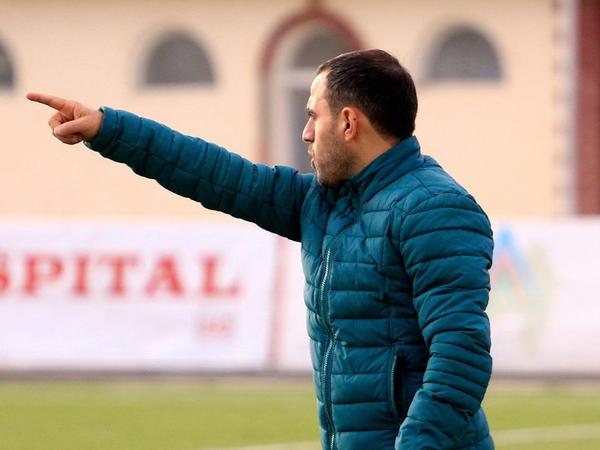 """""""Matçın sonlarında 6 müdafiəçi ilə oynadıq"""" - <span class=""""color_red"""">Ayxan Abbasov</span>"""