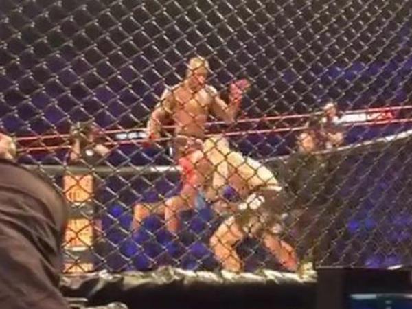 MMA döyüşçüsü rəqibini nokautla salamladı - VİDEO