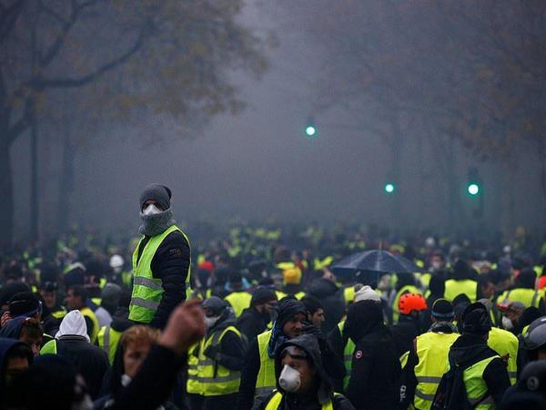 Fransada aksiyaya görə daha 2 futbol matçı təxirə salındı