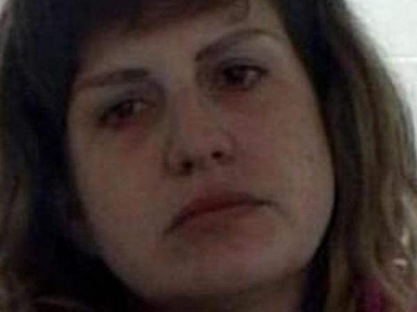"""Yataqxanadan qovulan qadın <span class=""""color_red"""">10 aylıq əkizlərini boğdu - FOTO</span>"""