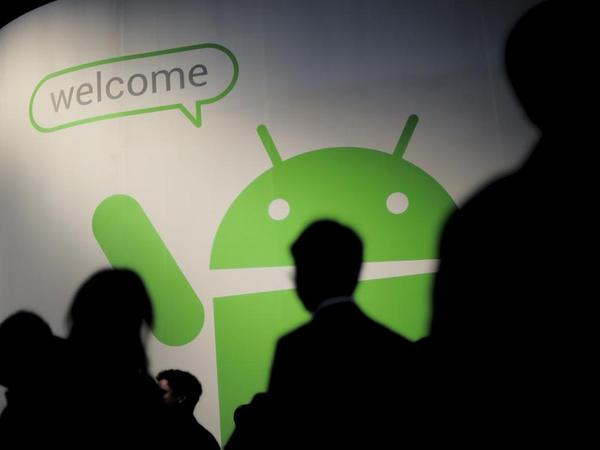 """Bu ilin 10 ən populyar Android smartfonu - <span class=""""color_red"""">REYTİNQ</span>"""