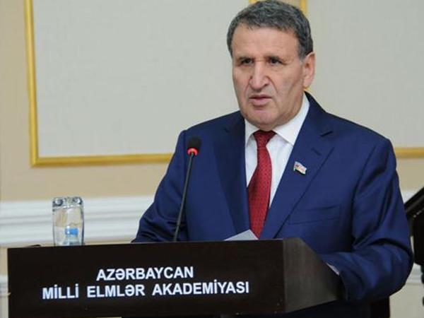 """Akademik: """"Heydər Əliyev dövrü Azərbaycanın çoxəsrlik tarixinin şərəfli bir mərhələsidir"""""""