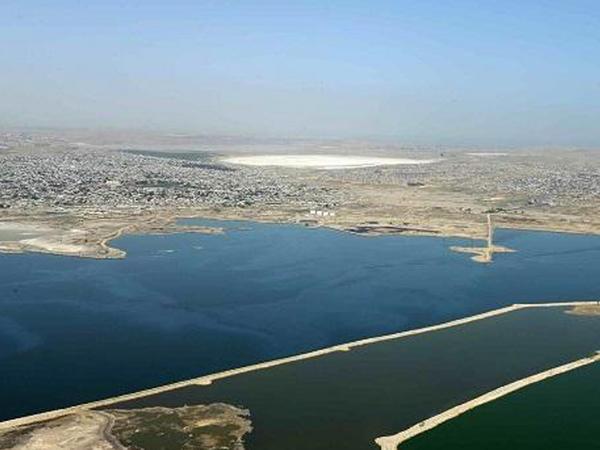 Böyük Şor gölünün ortasından maşınla keçəcəyik
