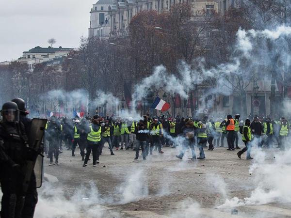 Fransada keçirilən aksiyalarda 4523 nəfər saxlanılıb