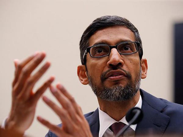 Google Trampla düşmənçilik edir? - FOTO