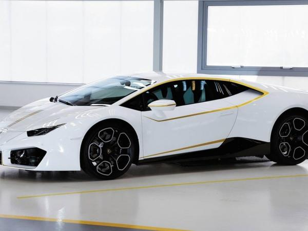 """Roma Papasının """"Lamborghini""""si lotereyada uduşa qoyuldu"""