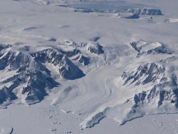 """NASA-nın """"IceSat-2"""" peyki Yerin buz səthinin yeni xəritəsini hazırlayıb"""