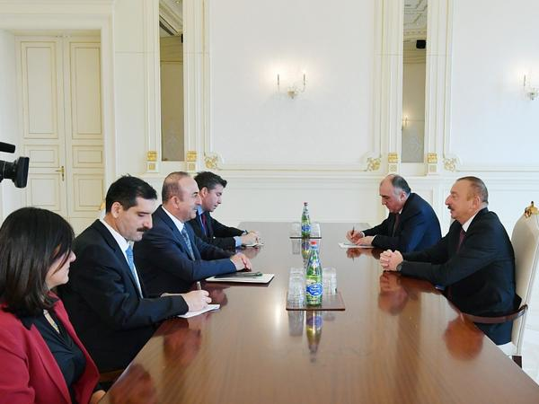 Prezident İlham Əliyev Türkiyənin xarici işlər nazirini qəbul edib - FOTO
