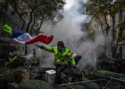 """Fransa yenə qarışdı - <span class=""""color_red"""">Polis gözyaşardıcı qaza əl atdı - YENİLƏNİB</span>"""