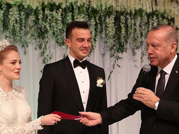 Ərdoğan nikah şahidi oldu - FOTO