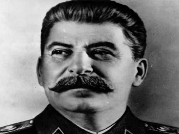 """Stalinin telefon kitabçası satıldı - <span class=""""color_red"""">3 milyona</span>"""
