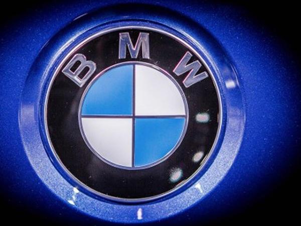 BMW və Tesla qiymətləri aşağı salıb