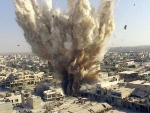 Koalisiya qüvvələri yenə məscidi vurdu