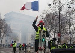 Fransada şənbə aksiyaları zamanı 351 nəfər saxlanılıb