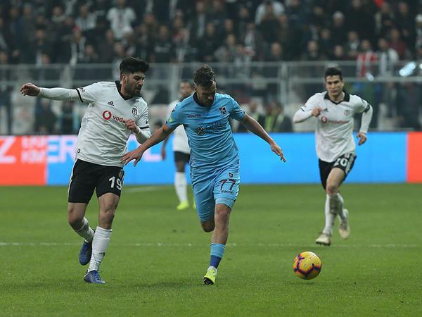"""""""Beşiktaş"""" 90+6-cı dəqiqədə məğlubiyyətdən xilas oldu - <span class=""""color_red"""">VİDEO</span>"""