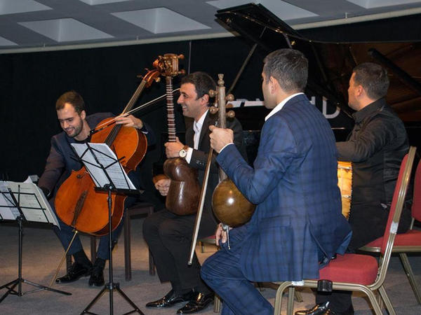 """Portuqaliya klassik musiqisi Azərbaycan xalq müsiqisi ilə birləşir - <span class=""""color_red"""">VİDEO - FOTO</span>"""
