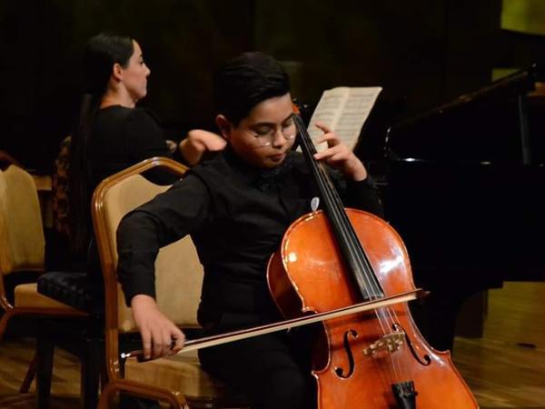 Bülbül adına orta ixtisas musiqi məktəbi haqqında filmin premyerası keçirildi - FOTO