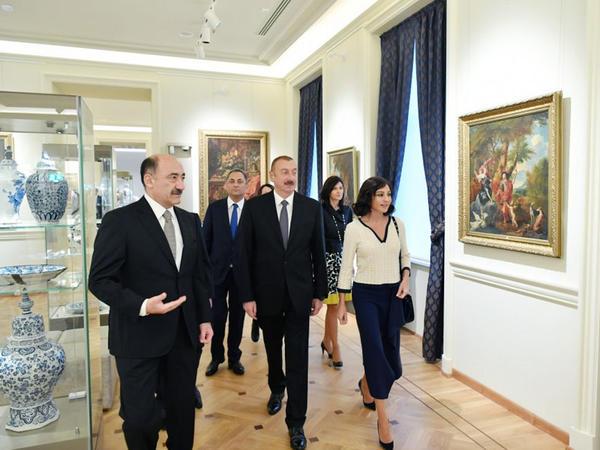 Prezident İlham Əliyev və xanımı Mehriban Əliyeva Azərbaycan Milli İncəsənət Muzeyinin üçüncü korpusunun açılışında iştirak ediblər - FOTO