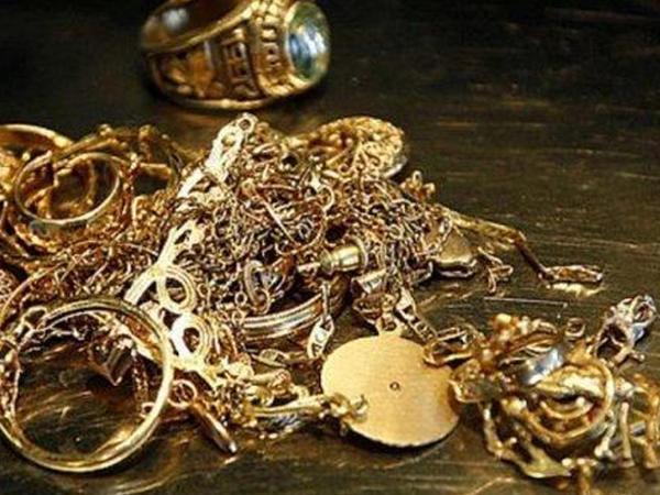 Azərbaycanda qızıl və gümüş ucuzlaşıb