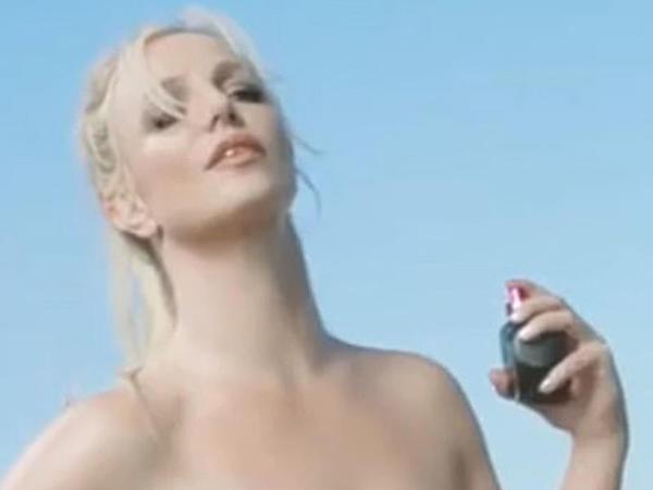 Britni Spirs yeni ətrini reklam etdi - VİDEO - FOTO