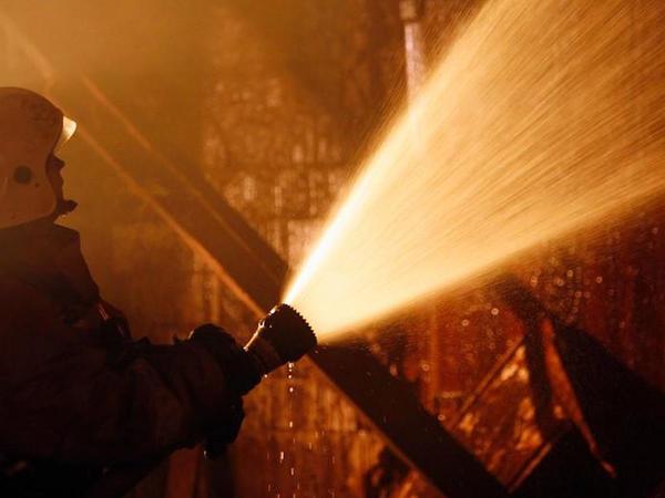 Qusarda 6 otaqlı ev yanıb