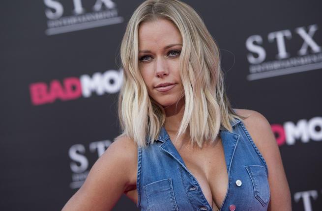 Seks videoları olan məşhur qadınlar - FOTO