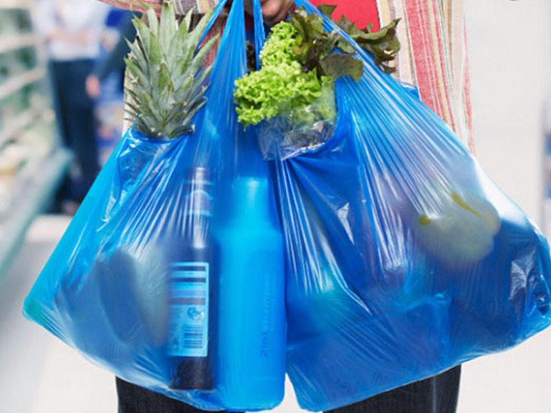 Marketlərdə satılan sellofan torbalarla bağlı Nazirlik məsələyə qarışdı